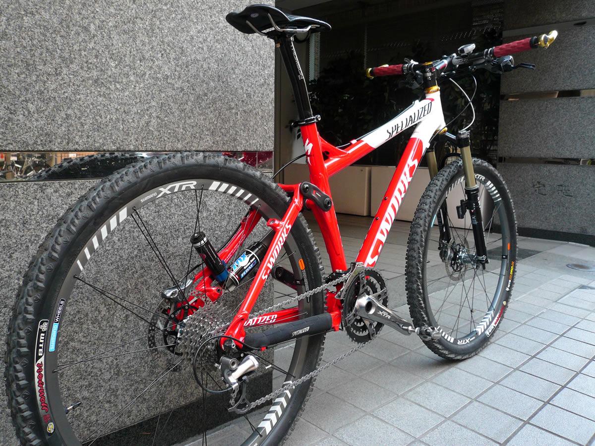 自転車の 自転車の車輪のサイズ : 2004 Specialized Epic FSR
